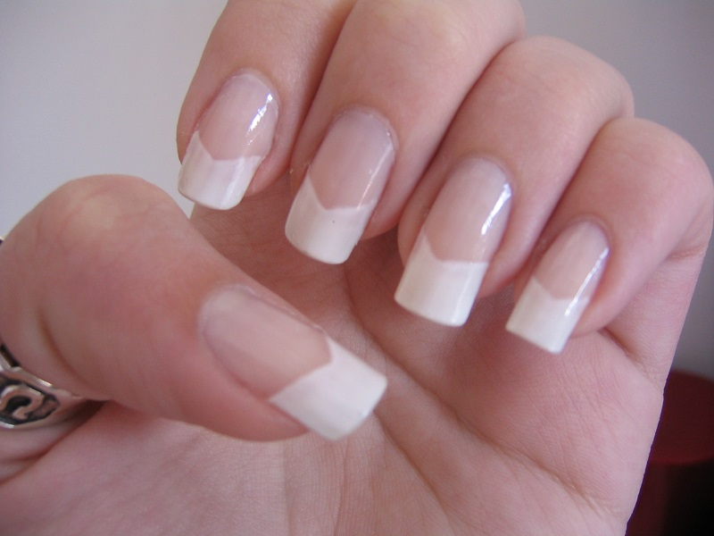 Get Minimalistic Designs With French Nails – Future Fashion Now